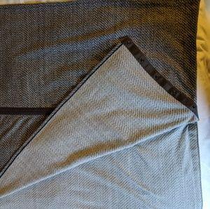 Grey Lululemon Vinyasa Scarf